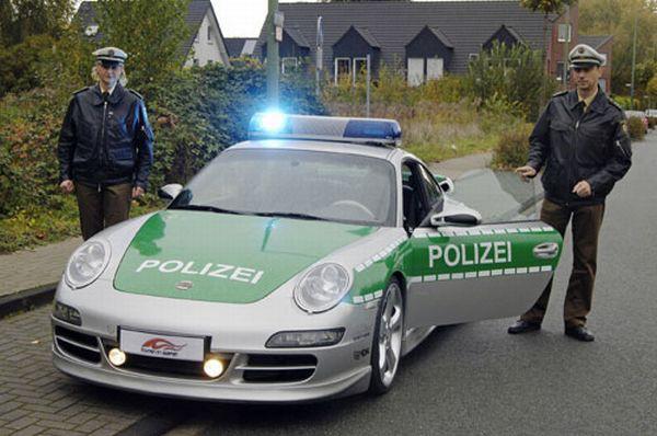 porsche-911-police-allemagne2-600x398